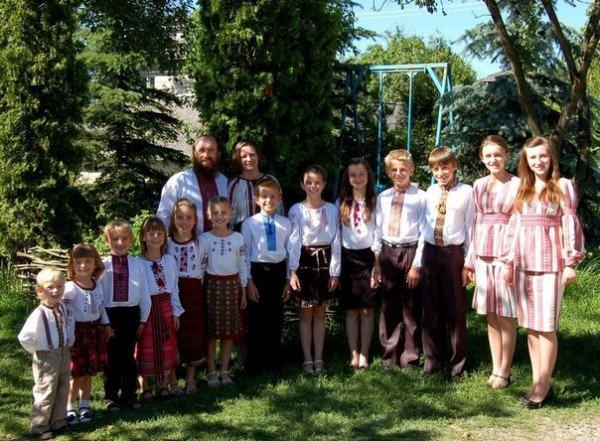 Подробиці життя сім'ї з Тернопільщині, в якій 14 дітей (ФОТО), фото-1