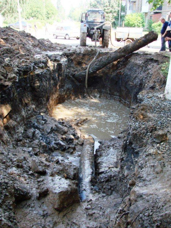 В центре Артемовска серьезный порыв водопровода (ФОТО), фото-5