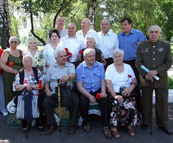 В годовщину начала ВОВ Игорь Шкиря возложил цветы к горловским обелискам, фото-5