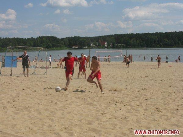 В Житомире прошел турнир по пляжному волейболу и футболу (ФОТО), фото-1