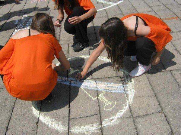 У житомирському парку ім. Ю. Гагаріна молодь малювала графіті (ФОТО), фото-1