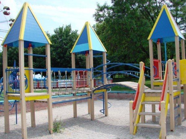 Песок на детскую площадку в центральном парке обещают завести в ближайшие сроки, фото-1