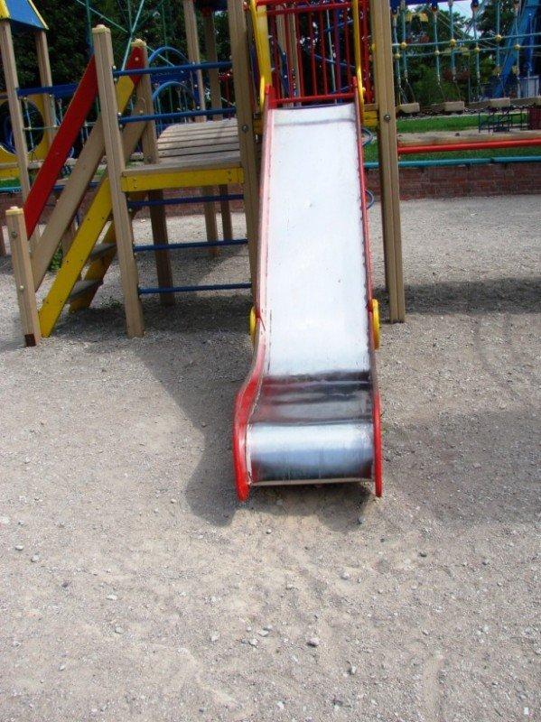 Песок на детскую площадку в центральном парке обещают завести в ближайшие сроки, фото-3