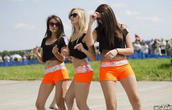 Швидкість, драйв, емоції та гарні дівчата в бікіні — у Тернополі пройшли змагання з Drag Racing (ФОТО, ВІДЕО), фото-10