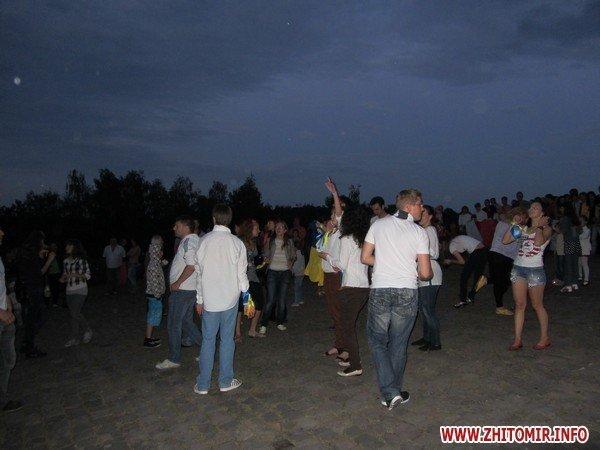 Житомиряне запустили в небо фонарики с пожеланиями(ФОТО), фото-2