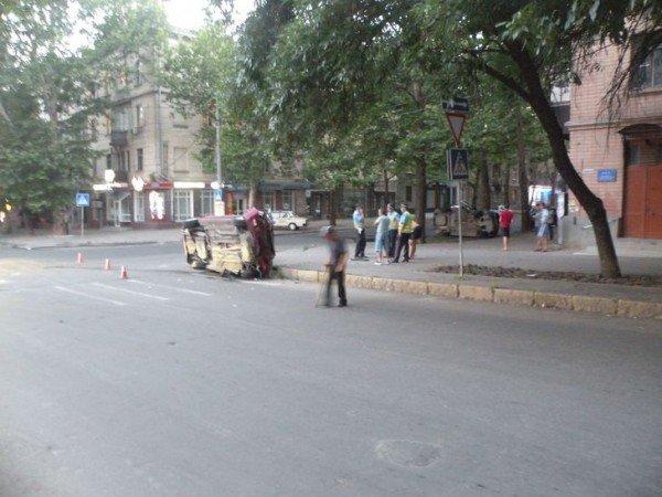 В Николаеве в результате столкновения двух автомобилей пострадал человек (ФОТО), фото-2