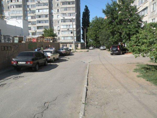 Одним снарядом в три воронки! В Николаеве водитель иномарки одним махом умудрился сбить бетонную опору, дерево и «мазду» (ФОТО), фото-3