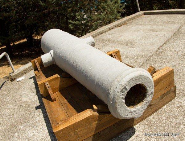 Пушка с фрегата «Черный принц»  подарена «Артеку», фото-5