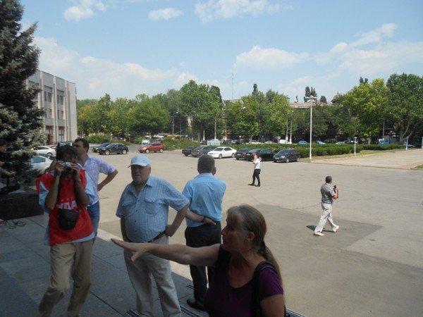 Активисты Партии регионов пытались сорвать вчерашнюю мирную акцию на крыльце Одесской облгосадминистрации (фото), фото-6