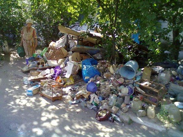 Херсонка сносила в квартиру мусор со всей округи (ФОТО), фото-2