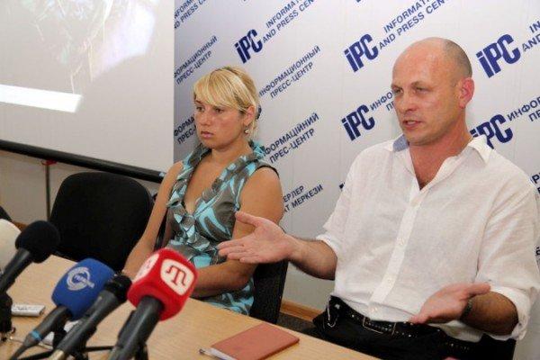 Ялтинка обвинила крымских милиционеров в краже 340 тыс. долларов (Фото, Видео), фото-1
