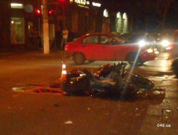 В центре Одессы разбился мотоциклист. Парень в тяжелом состоянии (фото, видео), фото-4
