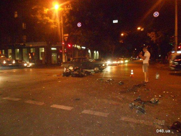 В центре Одессы разбился мотоциклист. Парень в тяжелом состоянии (фото, видео), фото-5