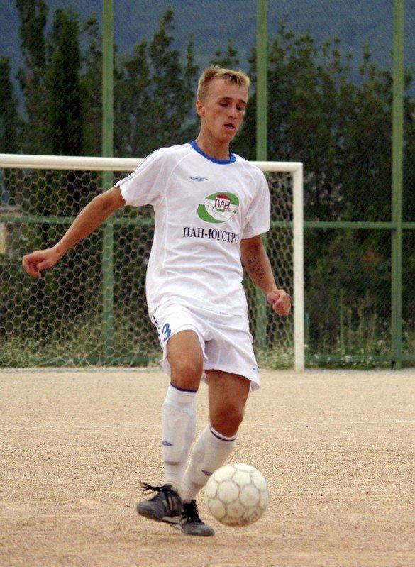Кубок Ялты по футболу-2012: фавориты начинают, фото-4