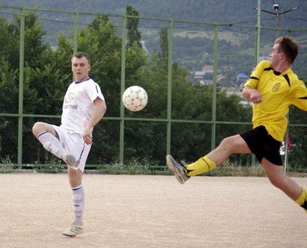 Кубок Ялты по футболу-2012: фавориты начинают, фото-5