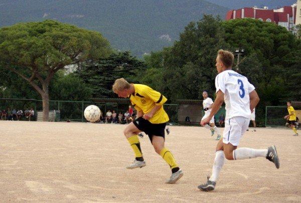 Кубок Ялты по футболу-2012: фавориты начинают, фото-6