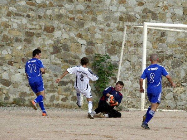 Кубок Ялты по футболу-2012: фавориты начинают, фото-10