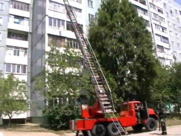 В Запорожье в пожаре едва не погибли 35-летний мужчина и 90-летняя старушка (ФОТО), фото-1
