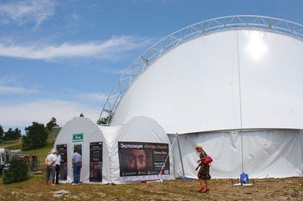 На выставке Оксаны Мась «Алтарь нации»., фото-1