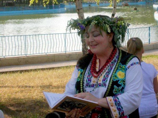 В Одессе прыгали через костер и пускали венки на воду на праздновании Ивана Купала (Фоторепортаж), фото-1