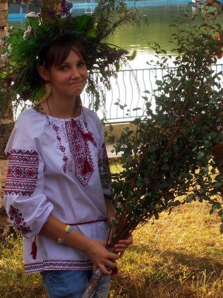 В Одессе прыгали через костер и пускали венки на воду на праздновании Ивана Купала (Фоторепортаж), фото-3