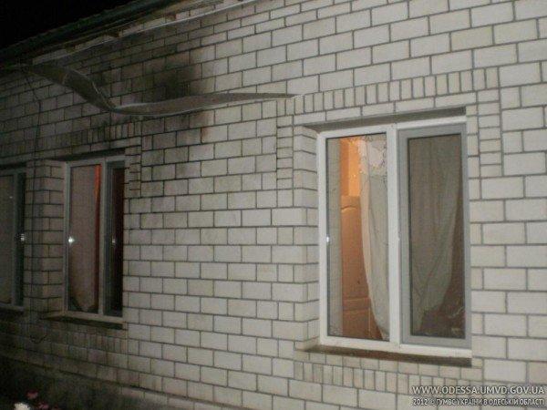 В милиции подтвердили: дом журналиста на Одесщине забросали «Коктейлем Молотова» (фото), фото-3