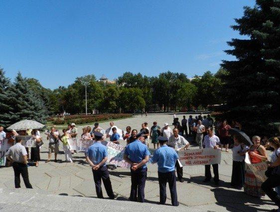 У Полтаві мітингують проти директора школи (ФОТО), фото-11