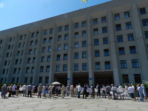 У Полтаві мітингують проти директора школи (ФОТО), фото-2