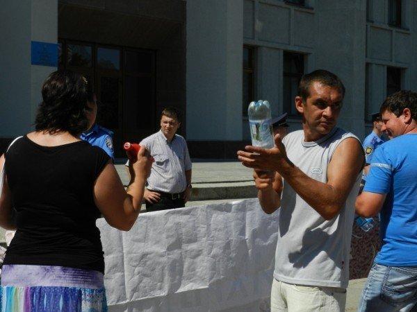 У Полтаві мітингують проти директора школи (ФОТО), фото-3