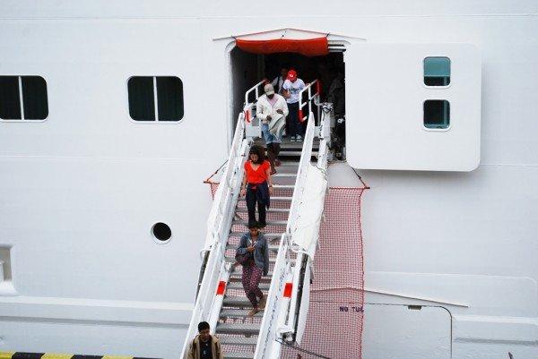 В Одесском порту пришвартовался настоящий плавучий замок (фото), фото-3