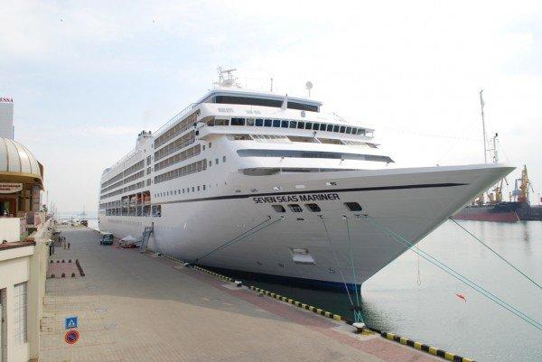 В Одессе пришвартовался невероятной красоты океанский лайнер (фото), фото-2