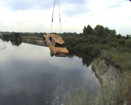 Сумская область: 3 человека погибли в результате падения автомобиля в реку Сейм, фото-1