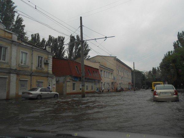 После дождя одесская Пересыпь оказалась отрезанной от города (видео), фото-2