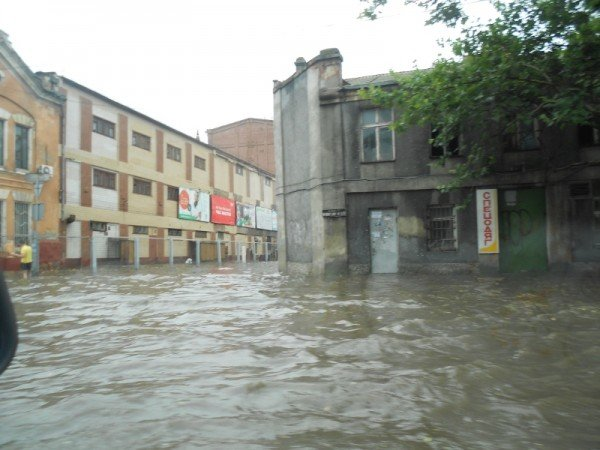 После дождя одесская Пересыпь оказалась отрезанной от города (видео), фото-3