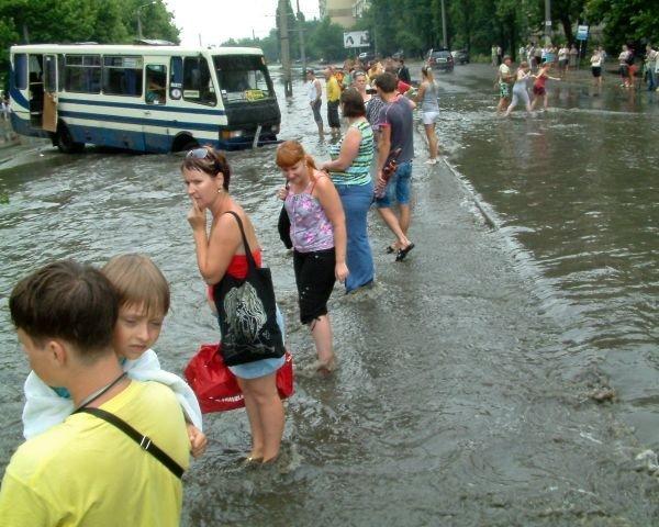 Одесская маршрутка на Балковской потеряла колесо (Фоторепортаж), фото-10