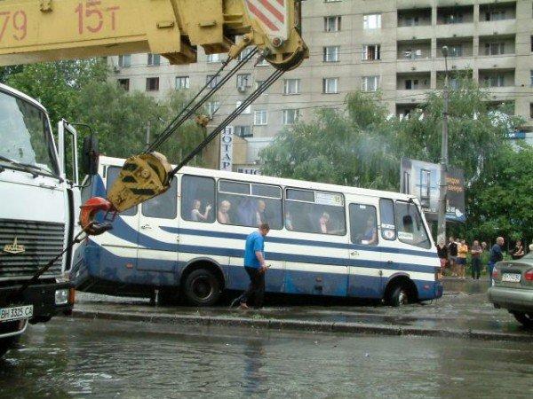Одесская маршрутка на Балковской потеряла колесо (Фоторепортаж), фото-6