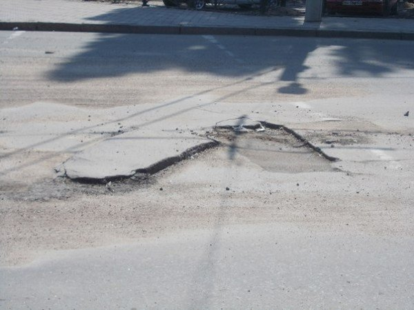 В Одессе все еще убирают последствия вчерашней стихии (Фото), фото-9