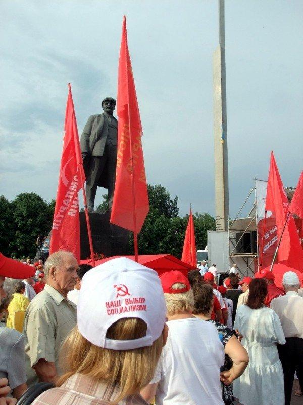 Симоненко в Донецке намекнул своим избирателям, что после выборов посадит Ахметова (фото), фото-11