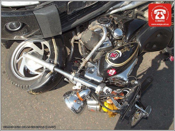 В Одессе мотоцикл оказался под колесами джипа (Фото), фото-3