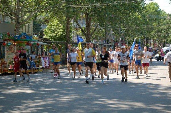 В Николаев забегали представители международной эстафеты, фото-1