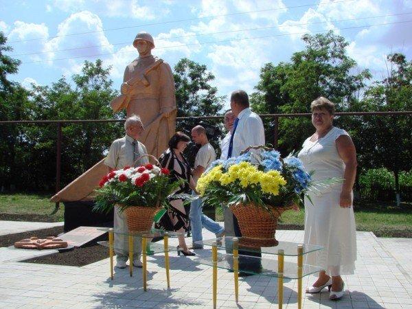 В Яковлевке Артемовского района восстановили памятник воинам, которые защищали село от фашистов, фото-3
