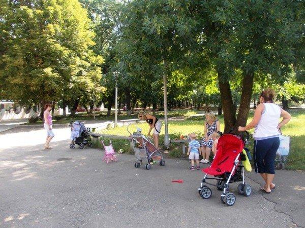 Молодые артемовские мамы хотят на День города клоунов и аниматоров, но подальше от пьяной толпы, фото-2