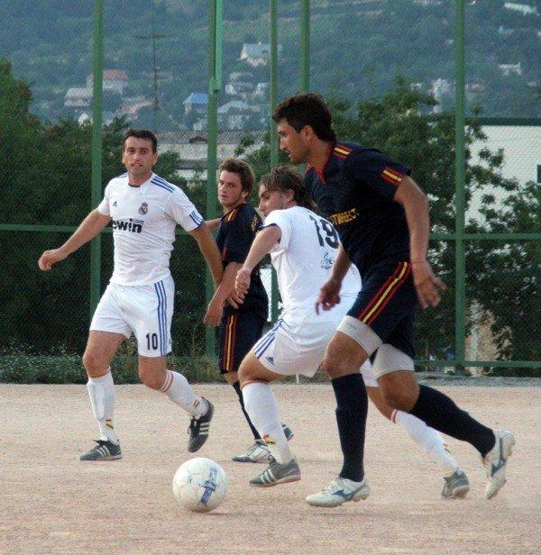 Кубок Ялты по футболу-2012: круг претендентов сокращается, фото-10