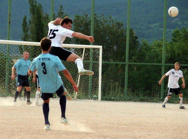 Кубок Ялты по футболу-2012: круг претендентов сокращается, фото-6