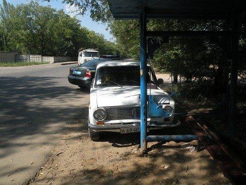 В Николаеве водитель чуть не въехал на кладбище раньше отпущеннного срока. К счастью, обошлось без жертв (ФОТО), фото-1