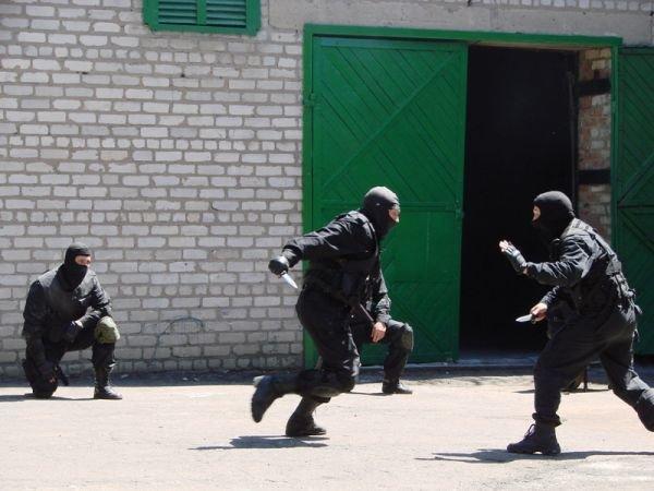 Спецанз обезвредил преступников, взявших в заложники сотрудников Артемовского СИЗО (ФОТО), фото-8