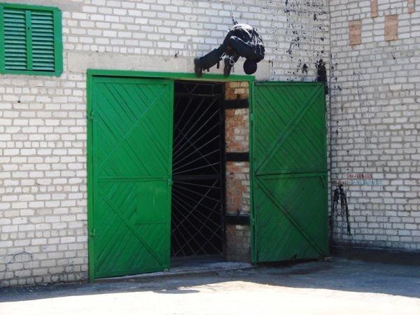 Спецанз обезвредил преступников, взявших в заложники сотрудников Артемовского СИЗО (ФОТО), фото-2