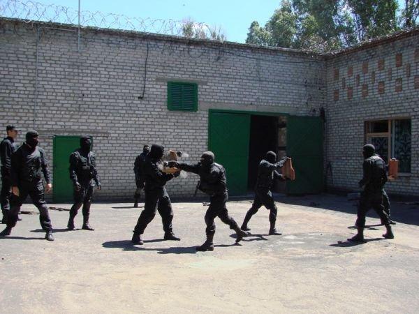 Спецанз обезвредил преступников, взявших в заложники сотрудников Артемовского СИЗО (ФОТО), фото-10