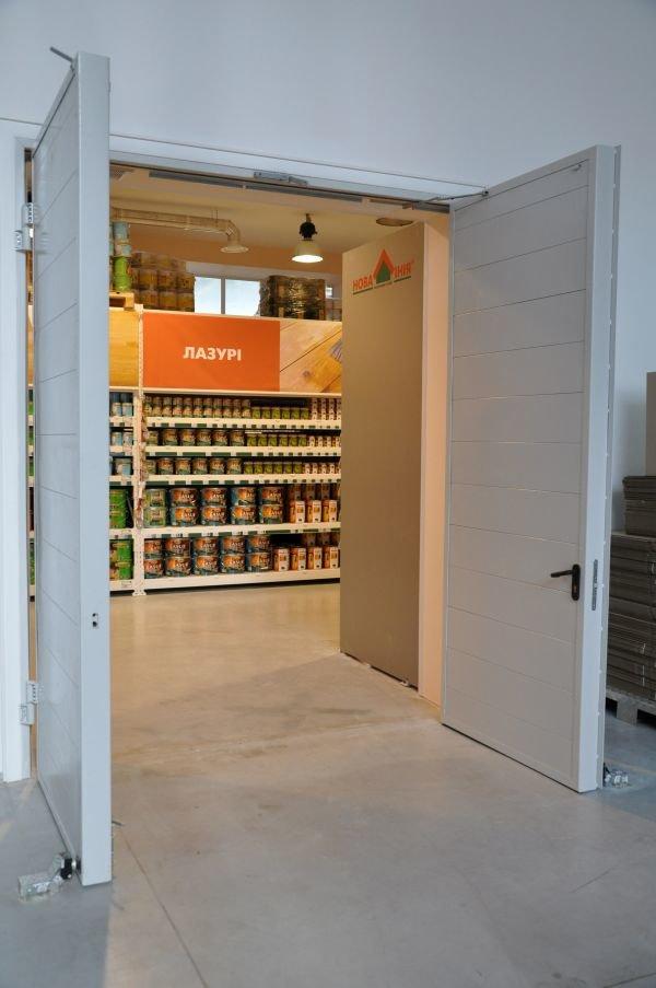 В «Новой Линии» лаки и краски для безопасности «замуровали» в отдельное помещение (ФОТО), фото-1
