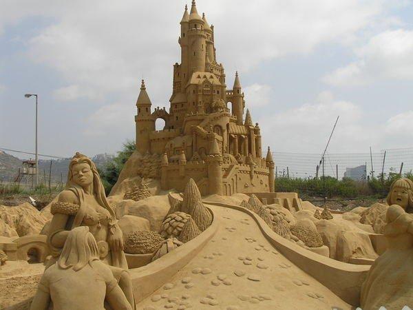 Мариупольцы посоревнуются в умении строить замки из песка (ФОТО), фото-4